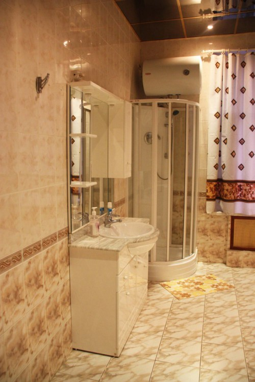Хостел Orange Hostel на Новой Басманной в Москве, ванная комната