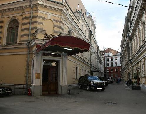 Хостел Артель в Театральном проезде в москве, главный вход