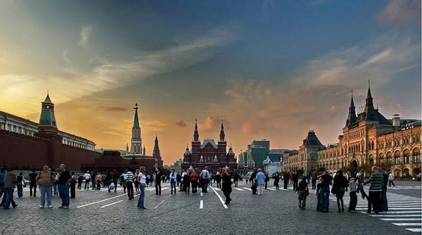 Фотография достопримечательности. Красная площадь в Санкт-Петербурге