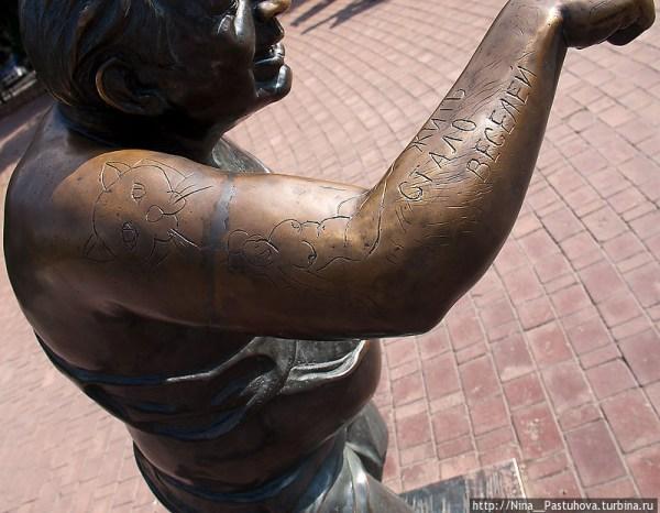 Фотография достопримечательности. Памятник Евгению Леонову в Санкт-Петербурге