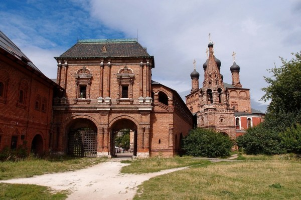 Фотография достопримечательности. Крутицкое подворье в Санкт-Петербурге