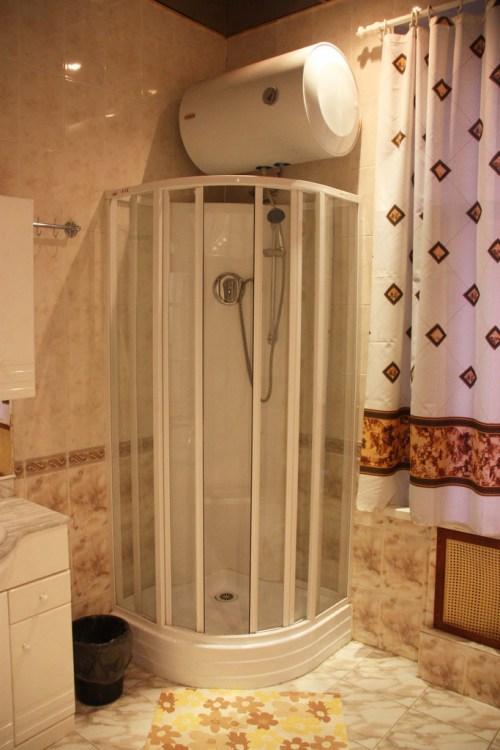 Хостел Orange Hostel на Новой Басманной в Москве, душ