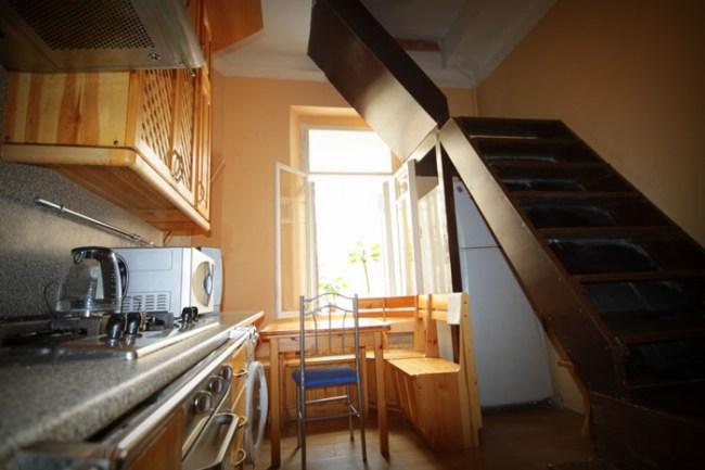Кухня в хостеле Артист